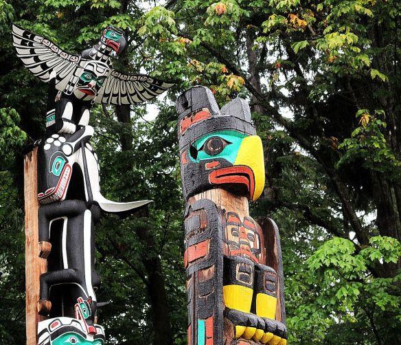 Totem_poles_in_Stanley_Park_(6157926634)