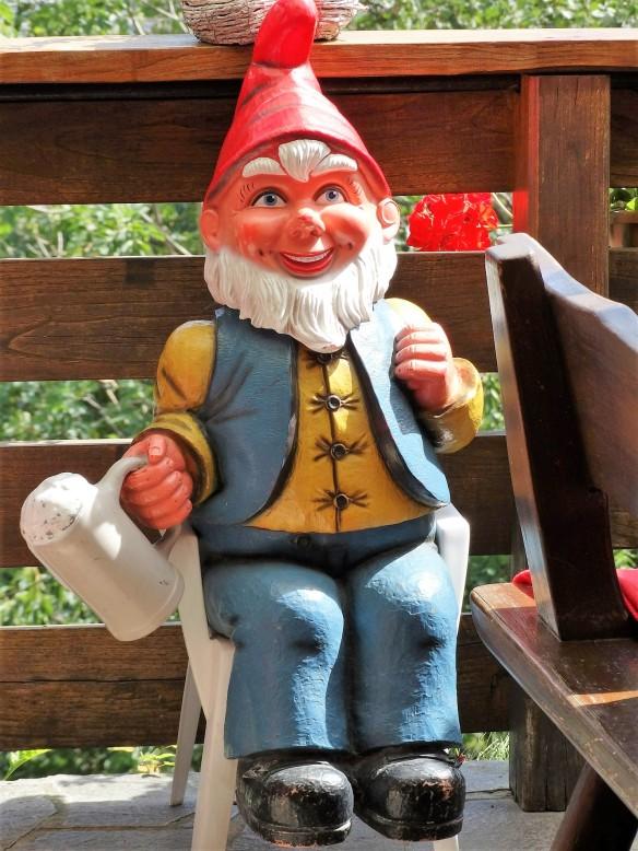 garden-gnome-437314_1920